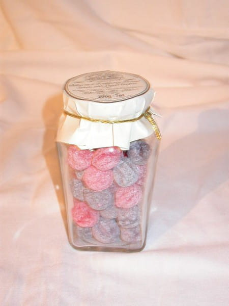 Bilberry & Raspberry Sweets with Liquid Centres 200g