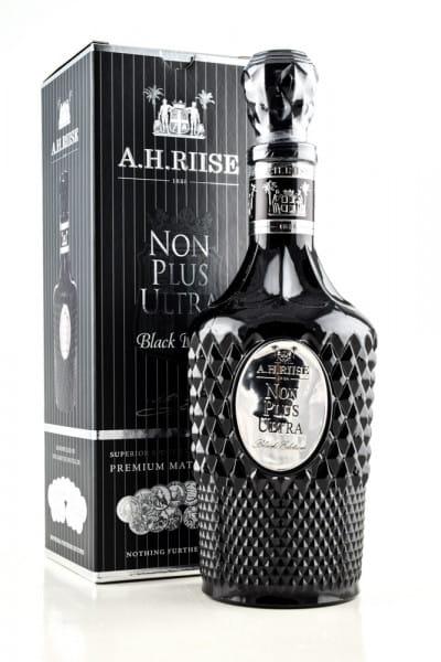 A.H. Riise Non Plus Ultra Black Edition 42%vol. 0,7l