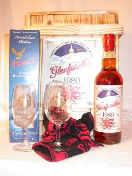 Glenfarclas 1980 Christmas Box mit 2 Nosing-Gläsern und Bartuch