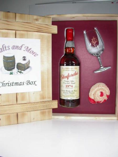 Glenfarclas Christmas Box 1974/2004 54,5%vol. 0,7l in Holzkiste mit Glas und Bartuch
